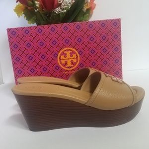 Lowell 80mm wedge sandal size 8.5 M